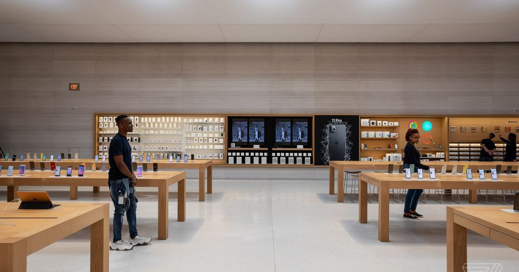 Apple to close US retail shops and all others out of doors China till March 27th