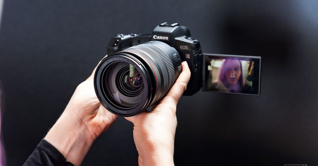 Canon now lets you use its cameras as a webcam with superb video high quality