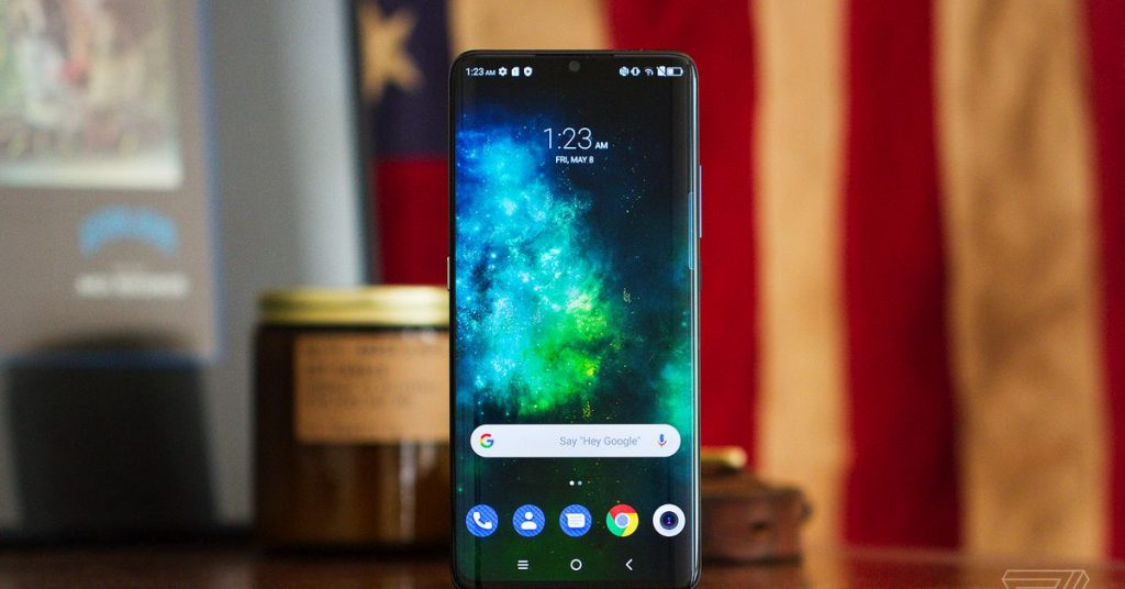 TCL 10 Pro review: top rate looks, funds efficiency
