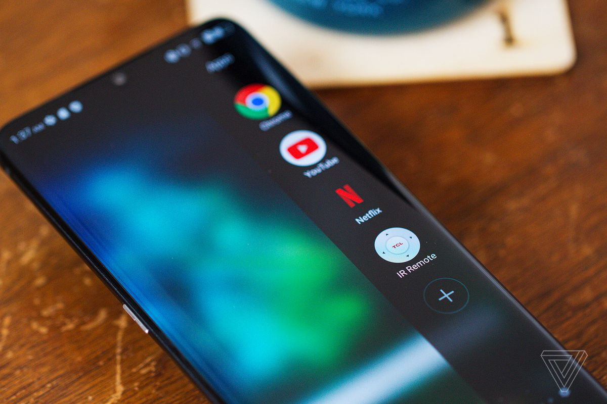 TCL 10 Pro shown with Edge Bar shortcut onscreen.