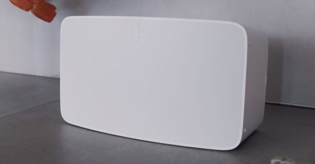 the new Sonos Five seems and sounds similar to the Play:5 it's replacing