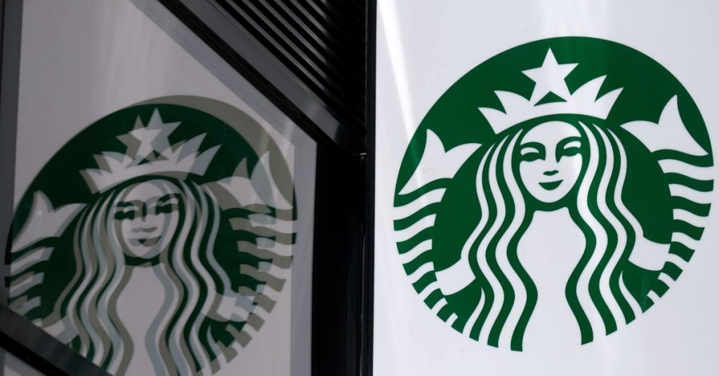 Starbucks to halt advertising on social media