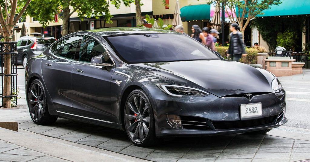Tesla's Model S is the first electric car with 400-mile range EPA rating