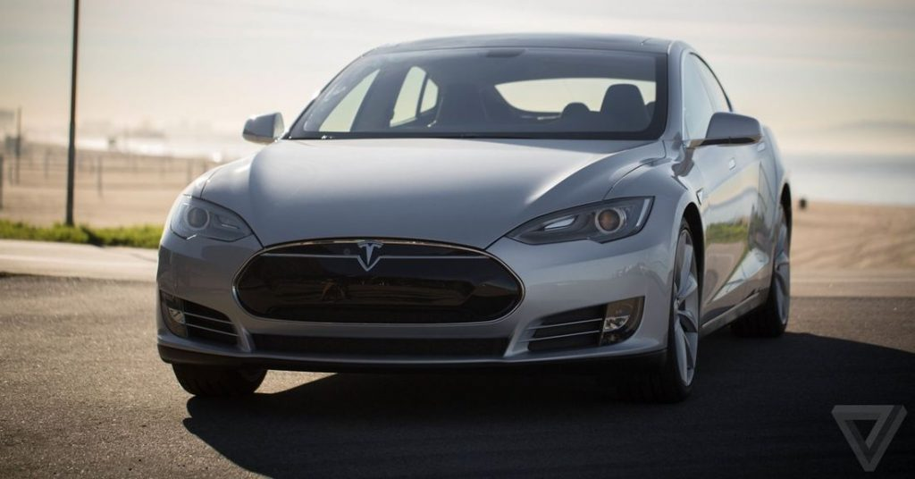 Tesla's reportedly shipped early Model S cars with leaky battery packs