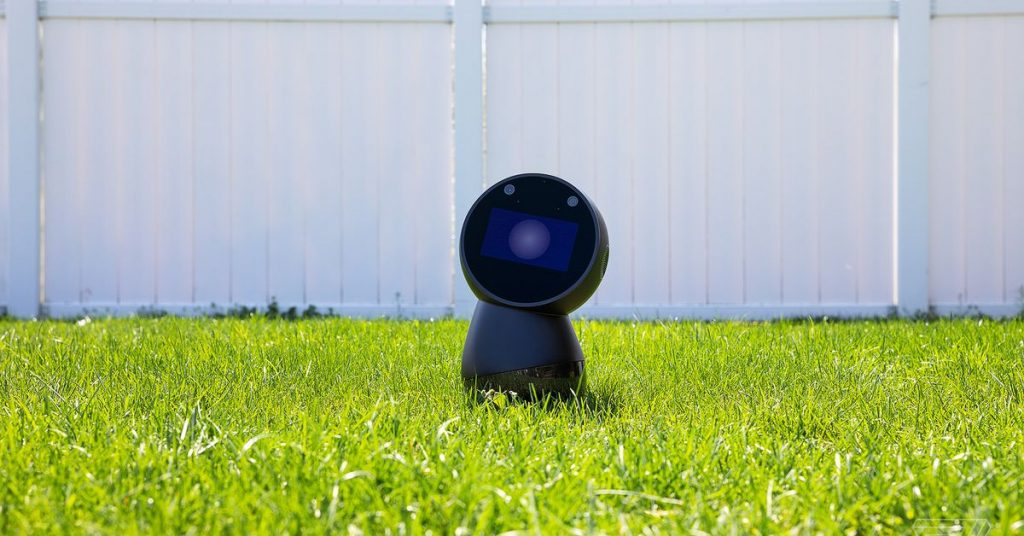 Jibo, the social robot that was supposed to die, is getting a second life