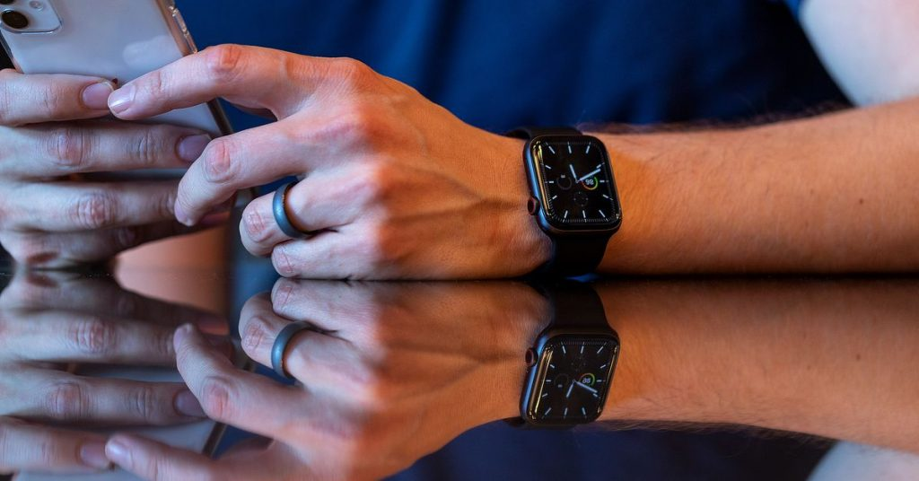 Apple launches public beta for new Apple Watch features including sleep tracking