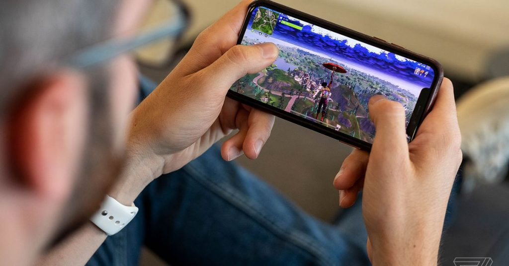 Fortnite can still be reinstalled on iOS, even after Apple removed it