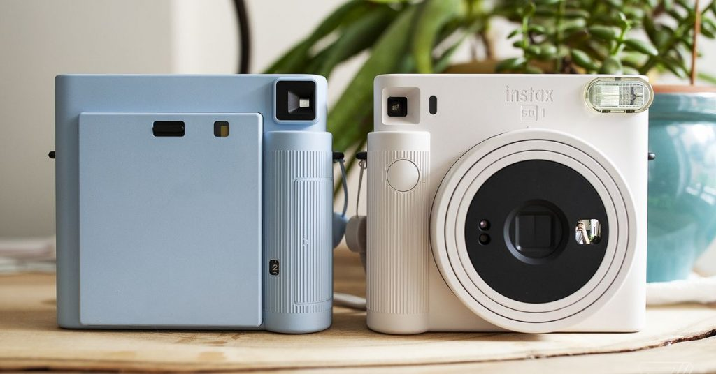 Fujifilm's new Instax Square SQ1: the instant camera back to its basics