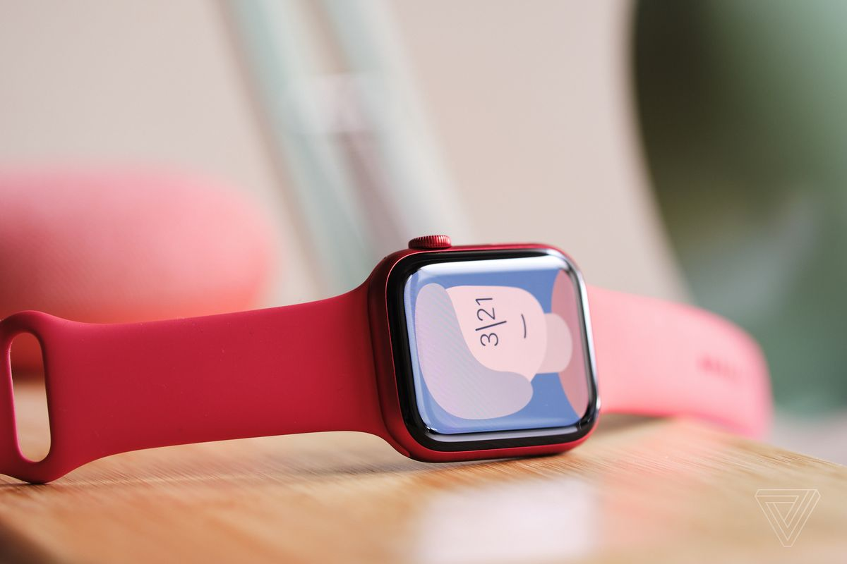 """There's a new """"artist"""" watch face"""