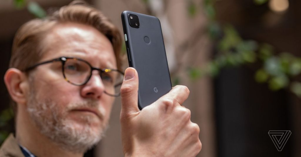 Google will turn selfie retouching off by default with the new Pixel phones