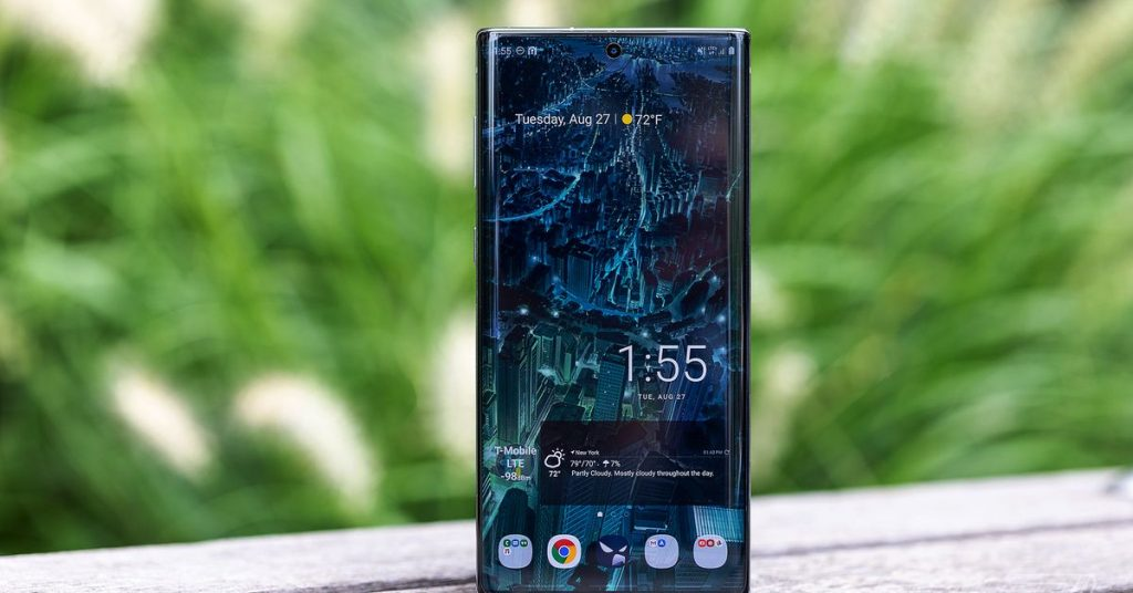 Samsung's Galaxy Note 10 is down to $550 at eBay
